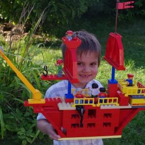 Pirátská loď z Duplo Lega