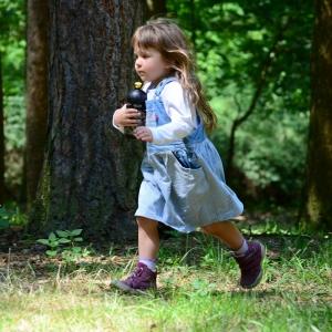 Esterka honí veverky.