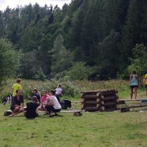 Hlouček u táboráku.