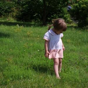 Na zahradě.