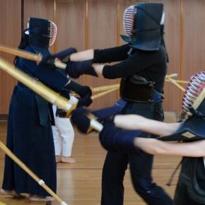 Kendó - trénink v brnění.